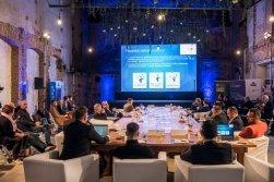 Mezinárodní kulatý stůl Svazu moderní energetiky: Obnovitelné zdroje a kvalitní energetické služby jsou klíč kproměně energetiky