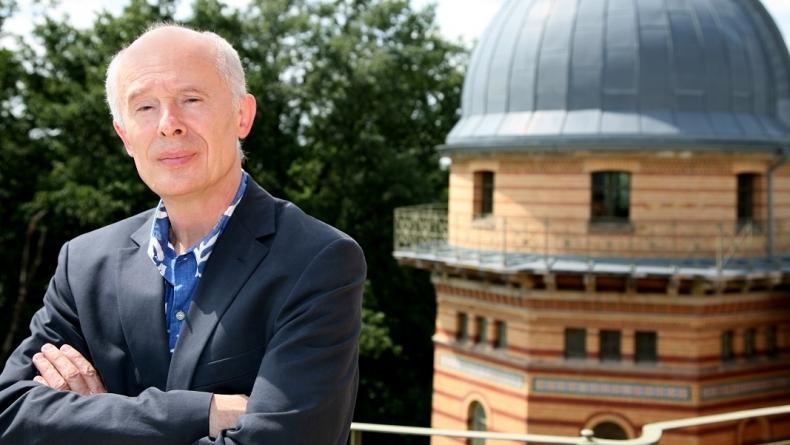 Vědecká celebrita míří do Česka. V Praze vystoupí klimatolog, který radil papeži i Merkelové