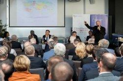 Česko zaostává v moderní energetice. Potřebuje sebevědomý plán, který ji podpoří. Proto přichází Nová energie Česka
