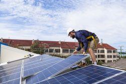 Průlomové rozhodnutí: aukční podpora pro nové fotovoltaiky získala podporu Hospodářského výboru. Akumulace dál na vedlejší koleji