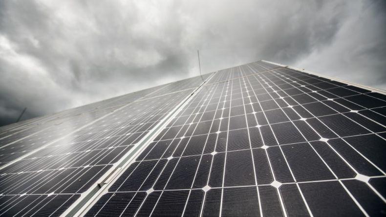 Sněmovna zablokovala rozvoj obnovitelných zdrojů v Česku.  Šanci na opravu má Senát
